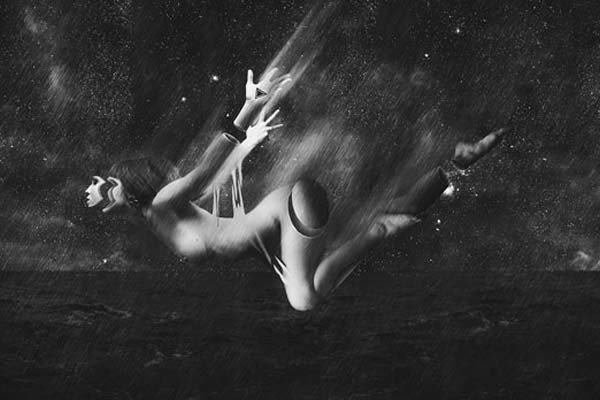 Surreal Abstract Artwork with Photoshop. Tutorials. Make a Stunning Black & White Falling Scene in Photoshop
