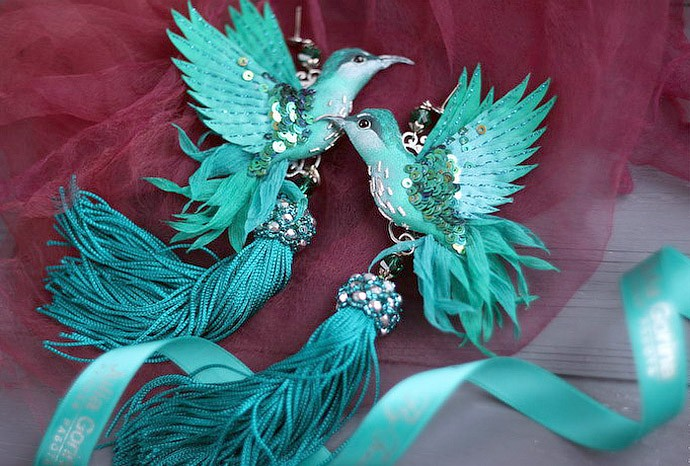 Flying fantasy. Magic birds from silk, beads, sequins and crystals