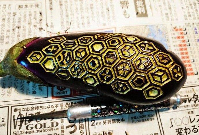 Flickering. Mukimono 剥き物. Fruit-vegetable carving. Japanese virtuoso Gaku