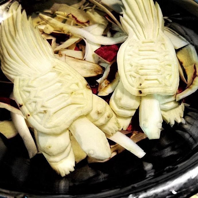 . Mukimono 剥き物. Fruit-vegetable carving. Japanese virtuoso Gaku
