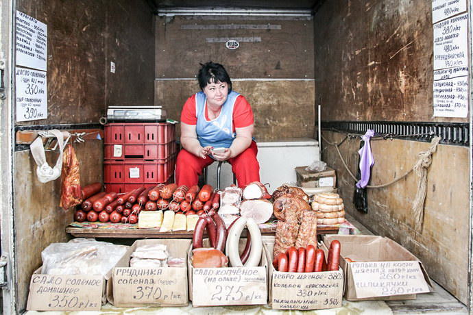 Colorful markets in the former Soviet republics that have not changed in a quarter of a century